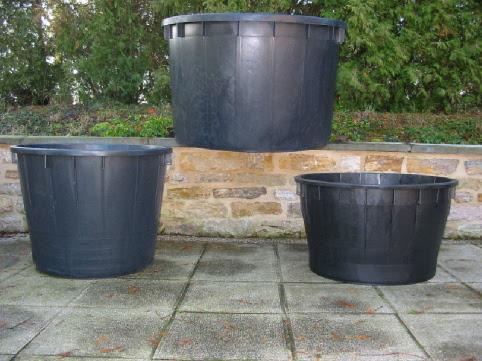 pots maxis grande contenance abreuvoir r serve d 39 eau dicoplast les maxis. Black Bedroom Furniture Sets. Home Design Ideas
